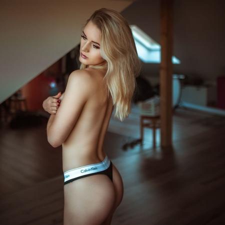Sensual Home Shooting mit Maxi