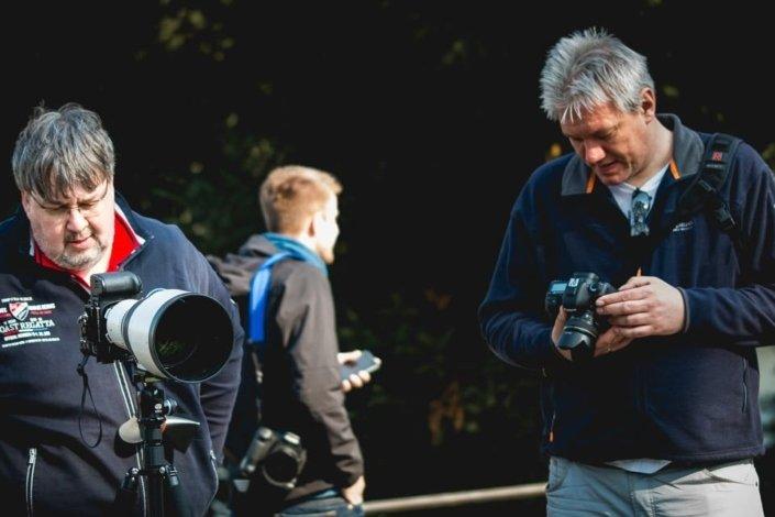 Teilnehmer des Outdoor Fotokurs im Gespräch