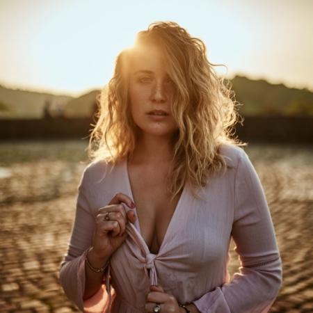 Sonnenuntergang Portrait Outdoor mit Model Lisa